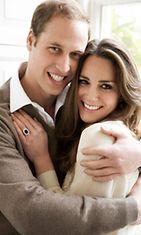 Prinssi William ja Kate Middleton kihlajaiskuvassaan.