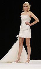 Morsiuspukuliike Stilissima häät.fi Fashion Show 2010 -näytöksessä