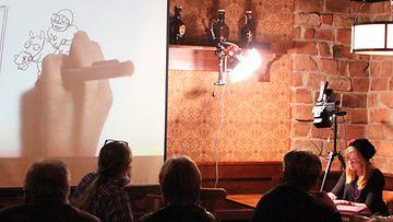 Milla Paloniemi piirtää Fingerpori Jazzissa 2/2012