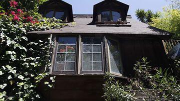 Playboyn Playmaten, Yvette Vickersin talo
