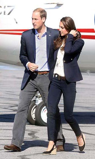 Prinssi William kohtelee vaimoaan kauniisti.