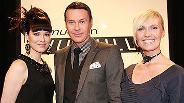 Seitsemättä catwalkia tuomaroi laulaja Jenni Vartiainen sekä vakiotuomarit Anssi Tuupainen ja Minna Cheung. Kuva: MTV3.