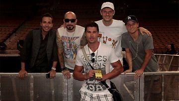 Backstreet Boys fani-kuvassa Scandinavian Hunksien Janin kanssa