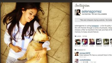 Selena Gomez koiransa kanssa.