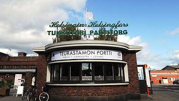 Teurastamon portti Tukkutorilla Sörnäisissä.