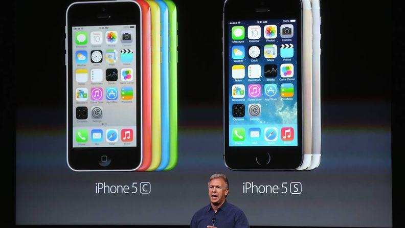 Apple esitteli tiistai-iltana kaksi uutta iPhone-mallia. Esittelijänä Phil Schiller.