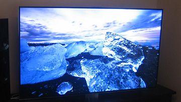 Samsungin 65-tuumainen F9005 4K-jättitelevisio