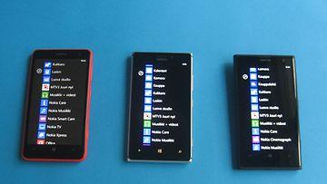 (vasemmalta lähtien) Lumia 625, 925 ja 1020 -kännykkämallit.