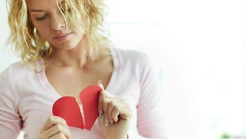 1. Nainen ja särkynyt sydän.jpg