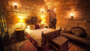 Dalhousie_castle_room.jpg