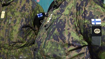 Merivoimien korkea-arvoisia upseereita (komentajia) Syndalenissa Uudenmaan Prikaatissa.