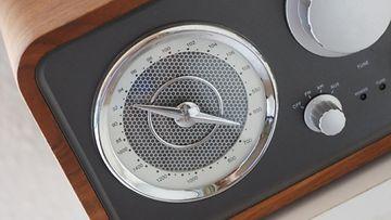 2. Radio.jpg