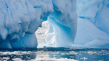 antarctica_Colourbox.jpg