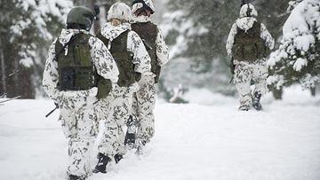 Puolustusvoimat esitteli maavoimien uudistettua taistelutapaa Santahaminassa Helsingissä 18. helmikuuta 2013.