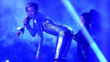 Miley Cyrus twerkkaa