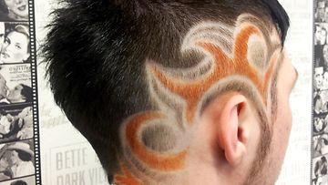 Satu Lehtosen tekemä hiustatuointi