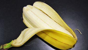 Banaanit olivat kasvaneet kiinni toisiinsa saman kuoren alle.