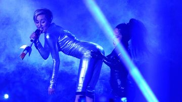 Miley esiintyi MTV-gaalassa.