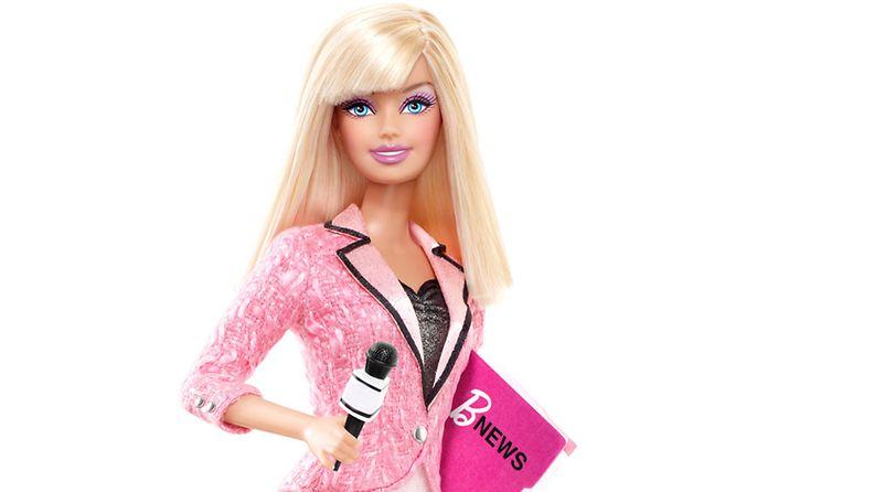 Barbie kokeilee toimittajan ammattia.