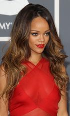 Rihanna Grammy Awards -gaalassa 2013.