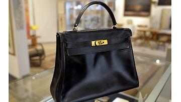Grace Kellyn mukaan nimetty Kelly-laukku.