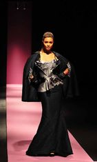 John Guarnesin asu, Philippine Fashion Week Holiday 2013