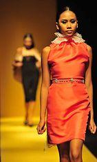 Peter Linin suunnittelema asu, Philippine Fashion Week Holiday 2013
