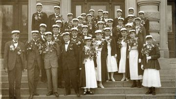 Vuoden 1919 ylioppilaat olivat ensimmäiset, jotka saivat niin todistuksensa kuin lakkinsakin Oulussa.