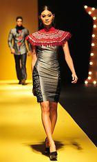 Katutubo collectionin asu, Philippine Fashion Week Holiday 2013
