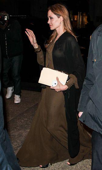 Angelina Jolie maksimekossa huhtikuussa.