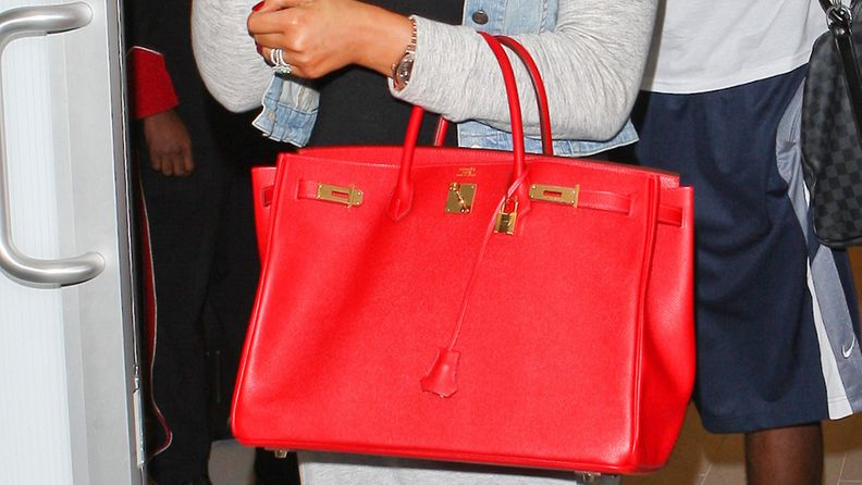 Punainen Birkin-laukku