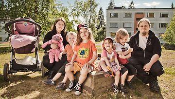 Johanna (sylissä Vanille), Kristofer, Alex, Sarafina, Maksimus ja Marko Eteläniemi.