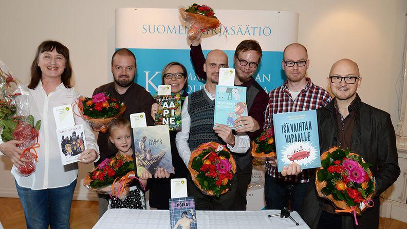 Finlandia Junior -palkintoehdokkaat Kretta Onkeli, Ville ja Timo Tietäväinen, Elina Warsta, Matti Pikkujämsä ja Ville Hytönen sekä Matti Mänttäri ja Jukka Laajarinne.