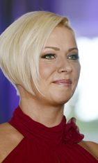 Helena Ahti-Hallberg Tanssii Tähtien Kanssa -tähtiparien julkistamistilaisuudessa 28. elokuuta 2012.