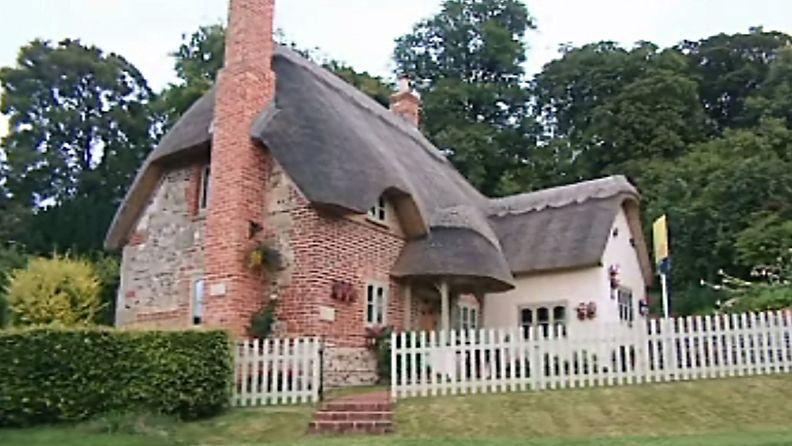 Britannian kauneimmat kodit: Olkikattoiset kaunottaret