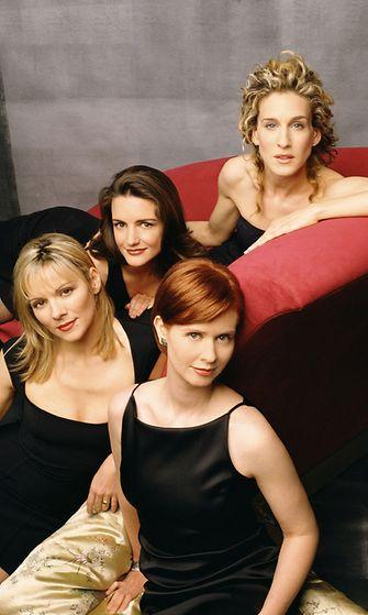 Sarah Jessica Parker, Cynthia Nixon, Kim Cattrall  Kristin Davis Sinkkuelämää-sarjasta vuonna 2002.