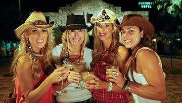 OC:n täydelliset naiset: Villin lännen meininkiä