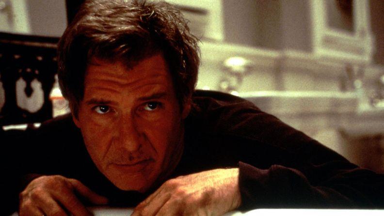 Harrison Ford elokuvassa Salaisuus Pinnan Alla