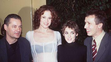 Ohjaaja Jeane-Pierre Jeunet sekä näyttelijät Sigourney Weaver,Winona Ryder ja Michael Wincott Alien – Ylösnousemus -elokuvan ensi-illassa vuonna 1997.