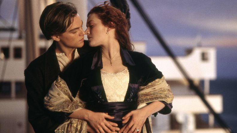 Leonardo DiCaprio ja Kate Winslet Titanicissa.