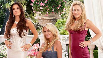 Beverly Hillsin täydelliset naiset torstaisin klo 20.00.