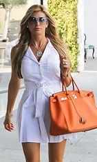 OC:n täydellisistä naisista tuttu Alexis Bellino tyylikkäänä.