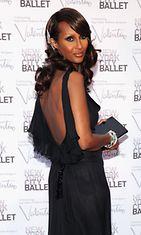 2012: Huippumalli Iman New Yorkin baletin gaalaillassa.