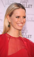 Malli Karolina Kurkova New York City Balletin gaalassa.