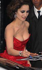 "Vuoden 2012 James Bond -elokuvan 007 Skyfall ""Bond-tyttö"" Bérénice Marlohe elokuvan ensi-illassa Lontoossa."
