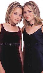 2000: Mary-Kate Olsen ja Ashley Olsen.