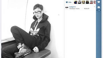 Joulukuu 2012: Rihanna tweettasi itsestään kuvan lentokoneessa.