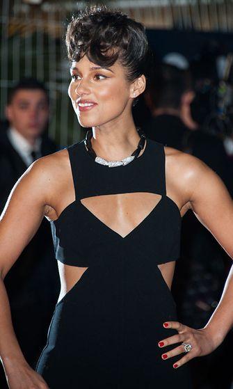Alicia Keys NRJ Music Awards 2013 -tapahtumassa Cannesissa, Ranskassa 26.1.2013.