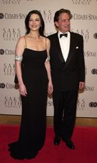 Catherine Zeta-Jones ja aviomies Michael Douglas, 2001