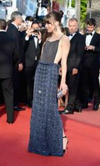 Milla Jovovich Cleopatra-ensi-illassa,  The 66th Annual Cannes Film Festival